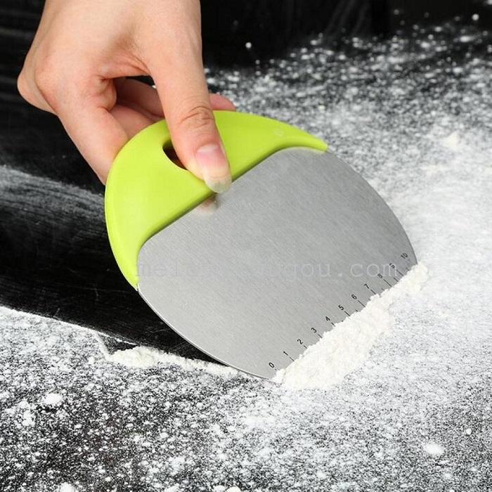 2 in 1 Baking Preparation Tool Dough Cutter Bowl Scraper
