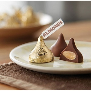 Hershey's Kisses Milk Chocolate With Almonds 311g