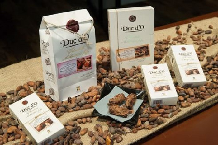 Duc d'O Flaked Truffles Milk Chocolate Hazelnut 100g (8 pcs)