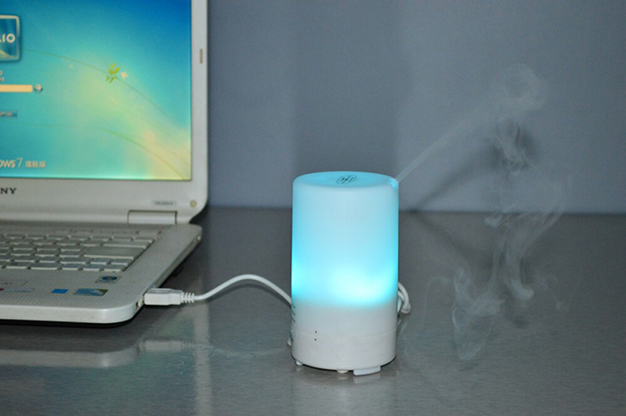 USB Air Humidifier Aromatherapy Machine with LED Night Light