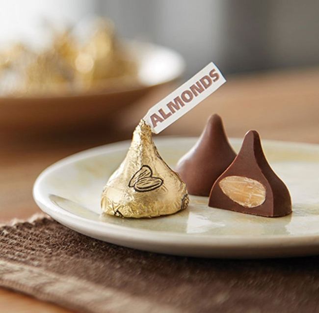 Twin Pack Hershey's Kisses Creamy Milk Chocolate With Almonds 205g