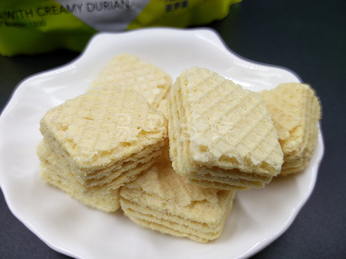 ALOR Durian Wafer Creamy Filled Wafers 130 grams
